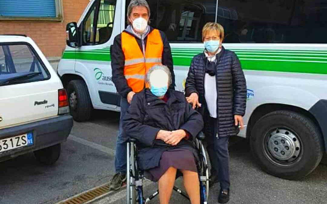 Vaccinazioni anti-Covid: volontari Auser in campo per accompagnare gli anziani